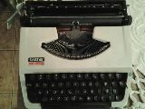 vendo maquina de escribir antigua - foto