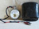 Voltímetro de bolsillo antiguo - foto