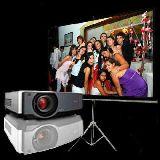 Alquiler de proyectores y pantallas - foto