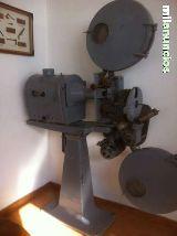 Proyector  cine antiguo de la marca ossa - foto