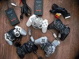 Mandos Play 1, 2 y 3 cargadores y cables - foto