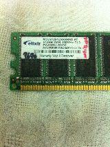 Memoria ram Sobre mesa ddr  - 512 mb - foto