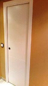montaje o colocación de puertas - foto