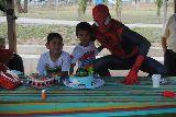 Payasos, spiderman y cabezones - foto