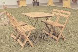 Alquiler de sillas de madera - foto