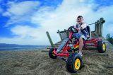 Coche-kart de pedales. juguete coche - foto