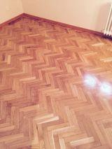 Lijado y barnizado de suelos de madera - foto