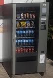 Máquina expendedora multiproducto-snacks - foto