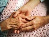 Cuidadora de personas mayores. - foto