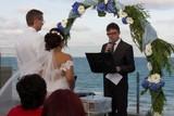 ceremonia civil actor boda oficiante - foto