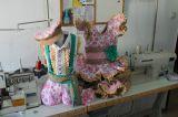 Costurera de trajes de flamenca - foto