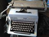 Maquina de escribir olivetti 88 - foto