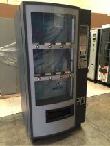 Máquina de refrescos y agua - foto