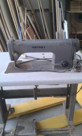 Se vende maquina de coser industrial - foto