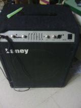 Amplificador laney 300 watts - foto
