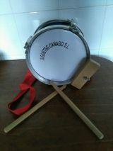 tambor de juguete clasico - foto