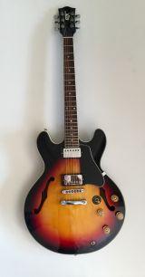 Guitarra eléctrica GTX 35. Semi hueca - foto