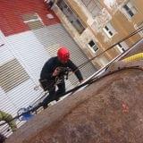 Trabajos verticales pintura de edificios - foto