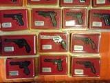 Pistolas y Revolveres - foto