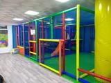 Parques infantiles, piscinas bolas - foto