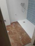 Plato de ducha a medida. - foto