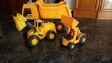 Camión y tractores - foto