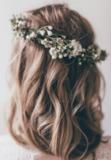 peinados con coronas de flores naturales - foto