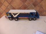 juguete camión  bronco o auto transporte - foto