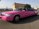 El alquiler limusina rosa - foto