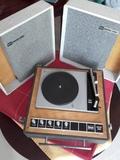 Tocadiscos Bettor vintage años 60 - foto