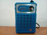 165-Radio transistor de mano Sharp - foto
