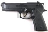 Pistola aire comprimido Beretta. - foto