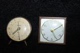 Dos relojes antiguas - foto