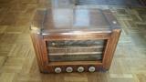 Radio antigua de vÁlvulas de madera - foto