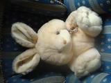 Conejo de peluche nuevo grande - foto