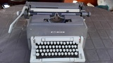 Maquina de escribir manual - foto