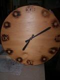 Reloj de madera para pared - foto