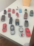 coches a escala - foto