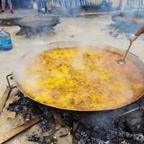 cocinero para paellas gigantes - foto