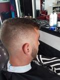 buscar por francia Peluquero barbero - foto
