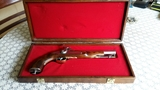 Pistola antigua - foto