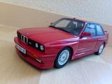 BMW M3 E30  OTTO 1:18 - foto