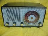 Radio antigua de valvulas - foto