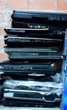 Lote 25 portátiles estropeados - foto