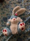 Conejo de peluche azul - foto