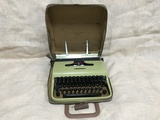 Máquina escribir Hispano Olivetti Pluma2 - foto
