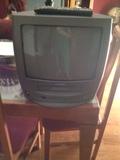 TV con reproductor de video VHS - foto