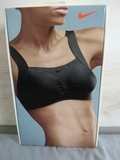 sujetador deportivo bra Nike - foto