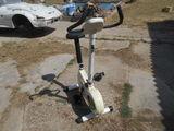 Bicicleta estatica - foto