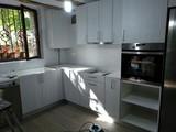 Montador de muebles a domicilio. - foto